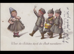 AK Militaria Wenn die Soldaten durch die Stadt marschieren, FELDPOST 5.6.1918