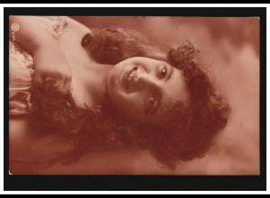 Mode-AK Lächelndes Mädchen mit langem Haar, KARLSBAD 12.8.1906