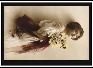 Mode-AK Frau im weißem Kleid mit Blumen, CANNSTATT Postamt Nr. 1 - 27.4.1914