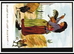 Humor-AK Er liebt mich - er liebt mich nicht - Bäuerin zupft Federn aus Hahn