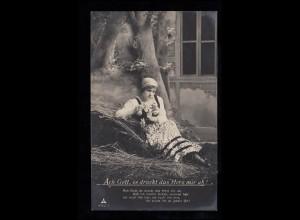 Liebes-AK Verlorenes Glück - Trauriges Mädchen mit Blumen, Feldpost 9..12.1917